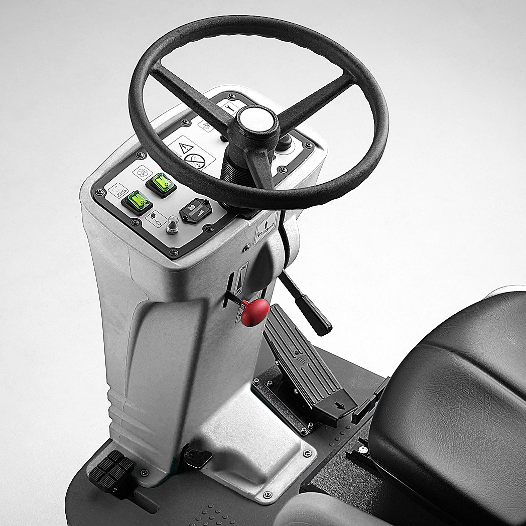 M750 RIDE ON SCRUBBER IS USER FRIENDLY WITH INTUITIVE MANUAL CONTROLS
